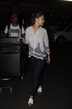 Amy Jackson snapped at airport on 13th Oct 2016 (29)_5800c58fa78bd.JPG