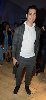 Dino Morea at Love Genration show on 12th Oct 2016 (4)_58005d629dffc.jpg