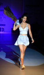 Disha Patani at Love Genration show on 12th Oct 2016 (21)_58005d79c8b5a.jpg