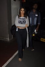 Ileana D_Cruz snapped at airport on 13th Oct 2016 (37)_5800c5b5004f8.JPG