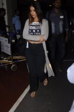 Ileana D_Cruz snapped at airport on 13th Oct 2016 (34)_5800c59537fcb.JPG