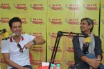 Manoj Bajpayee and Vijay Raaz at Radio Mirchi studio to promote Saat Uchakey on 13th Oct 2016 (7)_5800bf66895ef.JPG