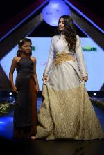 Sai Tamhankar at Smile Foundation charity fashion show on 13th Oct 2016 (69)_5800cfd934e01.JPG