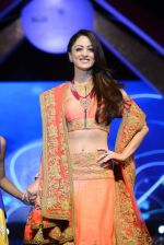 Sandeepa Dhar at Smile Foundation charity fashion show on 13th Oct 2016 (109)_5800d0f2dca3b.JPG