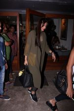 Sonam Kapoor snapped on 12th Oct 2016 (21)_58005c28626d6.JPG