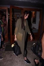 Sonam Kapoor snapped on 12th Oct 2016 (22)_58005c445f5b6.JPG