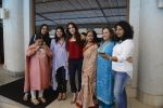 Suzanne Khan inaugurate Archana Trust exhibition on 12th Oct 2016 (29)_58005c3a6aeb4.JPG
