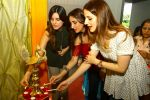 Suzanne Khan inaugurate Archana Trust exhibition on 12th Oct 2016 (45)_58005c76a8fe3.JPG