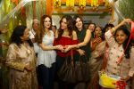 Suzanne Khan inaugurate Archana Trust exhibition on 12th Oct 2016 (48)_58005caf086a6.JPG