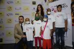 Twinkle khanna and Imran khan inaugurate helping hands exhibition in st regis on 13th Oct 2016 (70)_5800bbfb18e14.JPG