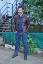 Varun Dhawan on the sets of Yaadon Ki Baarat on 13th Oct 2016 (38)_5800c9cda5437.JPG