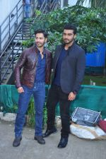 Varun Dhawan, Arjun Kapoor on the sets of Yaadon Ki Baarat on 13th Oct 2016 (18)_5800ca2a33021.JPG