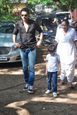 Zayed Khan on the sets of his mom_s food show on 13th Oct 2016 (20)_5800c4607b75b.JPG