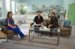 Zayed Khan with Reitesh on the sets of his mom_s food show on 13th Oct 2016 (1)_5800c34976cf1.JPG