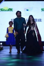 at Smile Foundation charity fashion show on 13th Oct 2016 (166)_5800d4c5812a5.JPG