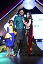 at Smile Foundation charity fashion show on 13th Oct 2016 (170)_5800d4e08303b.JPG