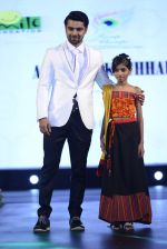at Smile Foundation charity fashion show on 13th Oct 2016 (191)_5800d55c466eb.JPG