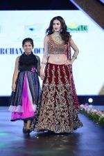 at Smile Foundation charity fashion show on 13th Oct 2016 (194)_5800d57476459.JPG