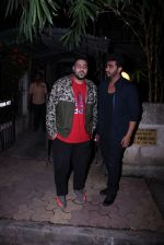 Arjun Kapoor snapped with Badshah on 14th Oct 2016 (2)_5802218a0ebc0.JPG