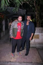 Arjun Kapoor snapped with Badshah on 14th Oct 2016 (6)_580221b9d8bd9.JPG