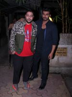Arjun Kapoor snapped with Badshah on 14th Oct 2016 (7)_580221c640f80.JPG