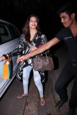 Bipasha Basu snapped at Aalim Hakim_s on 14th Oct 2016 (10)_580221a26636f.JPG