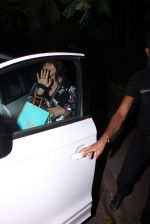 Bipasha Basu snapped at Aalim Hakim_s on 14th Oct 2016 (13)_580221c130bab.JPG