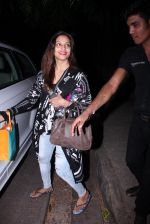 Bipasha Basu snapped at Aalim Hakim_s on 14th Oct 2016 (9)_58022197bc16f.JPG