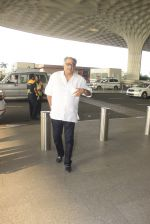 Boney Kapoor snapped at airport on 14th Oct 2016 (40)_580215ff812aa.JPG