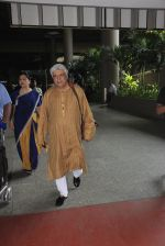 Javed Akhtar snapped at airport on 14th Oct 2016 (40)_580218ff7c15e.JPG
