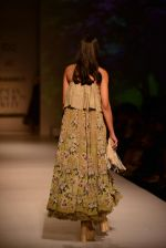 Model walk the ramp for Asheema Leena show on day 2 of AIFW on 14th Oct 2016 (18)_580213bb85cfa.jpg