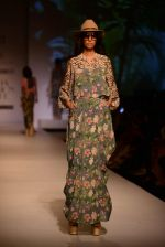 Model walk the ramp for Asheema Leena show on day 2 of AIFW on 14th Oct 2016 (8)_5802136b643be.jpg