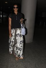 PV Sindhu snapped at airport on 14th Oct 2016 (19)_58021913ae47d.JPG