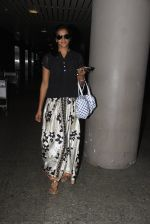PV Sindhu snapped at airport on 14th Oct 2016 (21)_58021931af3dc.JPG