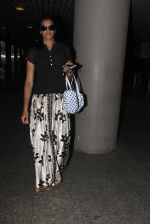 PV Sindhu snapped at airport on 14th Oct 2016 (22)_58021943343a4.JPG
