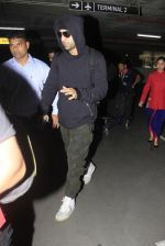 Ranbir Kapoor snapped at airport on 14th Oct 2016 (15)_5802192c03280.JPG