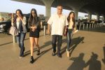 Sridevi, Boney Kapoor, Jhanvi Kapoor, Khushi Kapoor snapped at airport on 14th Oct 2016 (80)_58021acd3dc43.JPG