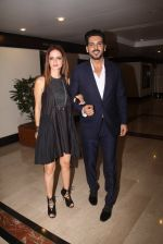 Suzanne Khan, Zayed Khan snapped at lobby of Trident for ET Panache trend setters awards on 14th Oct 2016 (13)_580222314246d.JPG