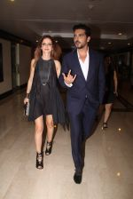 Suzanne Khan, Zayed Khan snapped at lobby of Trident for ET Panache trend setters awards on 14th Oct 2016 (18)_580222a70d3f8.JPG