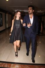 Suzanne Khan, Zayed Khan snapped at lobby of Trident for ET Panache trend setters awards on 14th Oct 2016 (19)_580222652a3e8.JPG