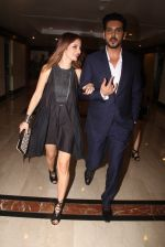 Suzanne Khan, Zayed Khan snapped at lobby of Trident for ET Panache trend setters awards on 14th Oct 2016 (20)_580222acdf836.JPG