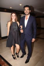 Suzanne Khan, Zayed Khan snapped at lobby of Trident for ET Panache trend setters awards on 14th Oct 2016 (21)_5802226d76d2b.JPG