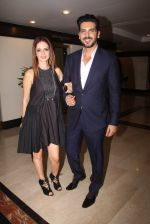 Suzanne Khan, Zayed Khan snapped at lobby of Trident for ET Panache trend setters awards on 14th Oct 2016 (22)_580222b251f90.JPG