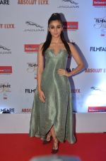Alia Bhatt at Filmfare Glamour & Style Awards 2016 in Mumbai on 15th Oct 2016 (1770)_5804d75c6adcd.JPG