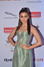Alia Bhatt at Filmfare Glamour & Style Awards 2016 in Mumbai on 15th Oct 2016 (1772)_5804d75db058e.JPG