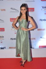 Alia Bhatt at Filmfare Glamour & Style Awards 2016 in Mumbai on 15th Oct 2016 (1779)_5804d762c09fe.JPG