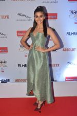 Alia Bhatt at Filmfare Glamour & Style Awards 2016 in Mumbai on 15th Oct 2016 (1780)_5804d7637d9ce.JPG