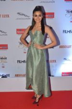 Alia Bhatt at Filmfare Glamour & Style Awards 2016 in Mumbai on 15th Oct 2016 (1781)_5804d76434252.JPG