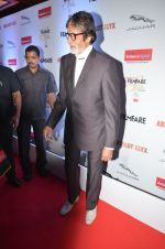 Amitabh Bachchan at Filmfare Glamour & Style Awards 2016 in Mumbai on 15th Oct 2016 (2179)_5804d76c08b44.JPG