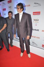 Amitabh Bachchan at Filmfare Glamour & Style Awards 2016 in Mumbai on 15th Oct 2016 (2187)_5804d7720f70f.JPG